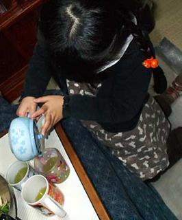 sae_tea140102.jpg